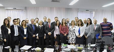 08-01-reuniao-ministra-juizes