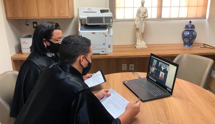Com base em provimento da Corregedoria, cartório realiza primeiro casamento por videoconferência no Estado de Goiás durante a pandemia