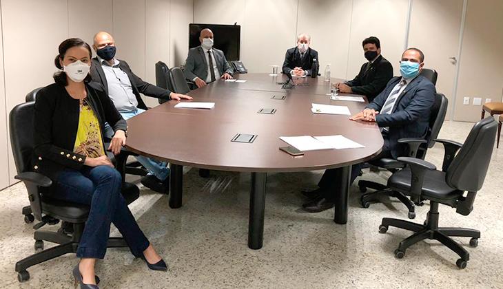 Corregedor-geral cumpre acordo com CNJ e faz questão de receber presencialmente membros do Sindojusgo para tratar das locomoções dos oficiais de justiça