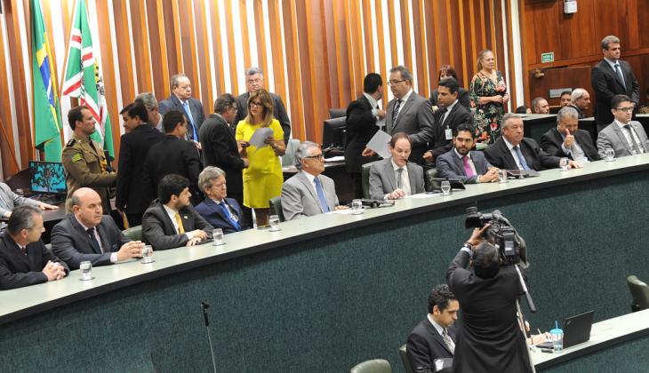 Presidente do TJGO participa da sessão de instalação da 19ª Legislatura da Alego