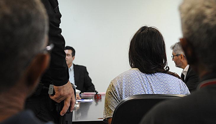 Mãe suspeita de matar  bebê de um ano passa por audiência de custódia e continuará presa