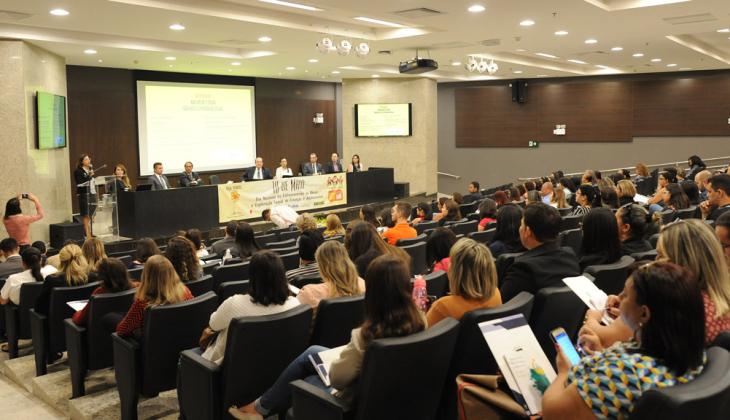 Trabalho de sensibilização é ressaltado no seminário para combater exploração sexual de crianças